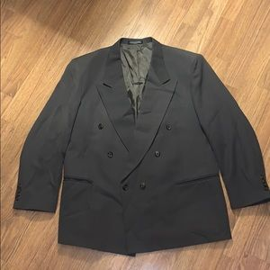 Used but like brand new suit!